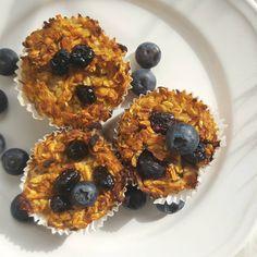 Babeczki jabłkowo-owsiane na śniadanie :-) Przepis na blogu, link w bio. #muffinki #babeczki #płatkiowsiane #syropklonowy #borówki #śniadanie #jemzdrowo #fitjedzonko #fitfood #healthyfood #agataberry