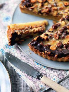 Vores favorittærte er en ægte klassiker, der altid frister i bagervinduer landet over, mensom man sagtens kan bage selv.