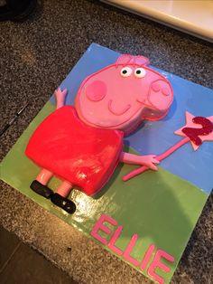 Props pig Birthday cake