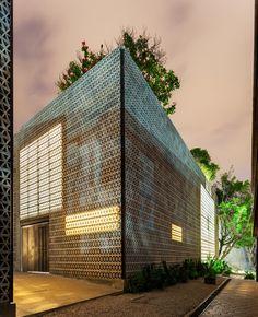 La tallera Siqueiros, frida escobedo studio, LTVs, Lancia TrendVisions> really like the facade walls!