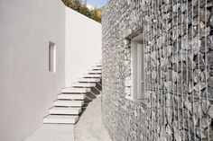 Following up on last year's round up of gabion façades, we bring a fresh collection of this alternative building technique. Originating as a…