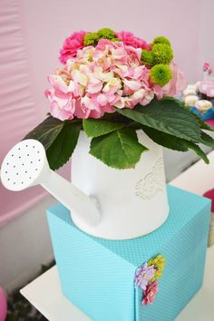 Baby Breath N Butterfly Wedding Cake