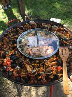 The video consists of 23 Christmas craft ideas. Asian Seafood Recipe, Seafood Boil Recipes, Seafood Paella, Seafood Soup, Fish Recipes, Healthy Recipes, Sauce Recipes, Paella Food, Paella Pan
