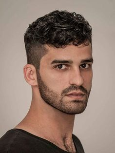Intricate Ideas To Spice Up Your Fuckboy Haircut Kurze Locken Willst du Thin Curly Hair, Wavy Hair Men, Short Hair Cuts, Thinning Hair, Short Curls, Loose Curls, Long Curly, Fade Haircut Styles, Hair And Beard Styles