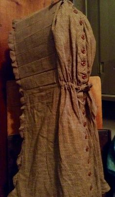 Homespun long bonnet with 18 buttons down the back. Part of my collection. NeeSeY's WiNgS by Pam Napier. Antique Clothing, Historical Clothing, Prim Decor, Weaving Textiles, Vintage Textiles, My Collection, Doll Clothes, Vintage Outfits, Tie Bow