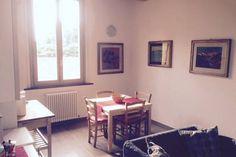 Dai un'occhiata a questo fantastico annuncio su Airbnb: Comoda e luminosa stanza in centro a Bologna
