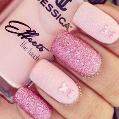 dianemundung:  fabfashionfix:  Pink nails trend   Lovely glam..