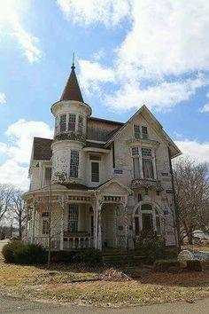 Abandoned George F.Barber house in Warsaw Ohio (Tourismguy).