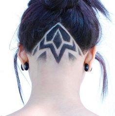 Undercut Long Hair, Undercut Hairstyles, Cool Hairstyles, Haircuts, Updo Hairstyle, Wedding Hairstyles, Haare Tattoo Designs, Nape Undercut Designs, Shaved Hair Designs