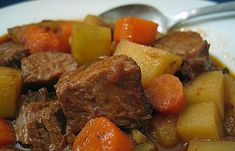 Carne de panela - ensopado de carne com batatas - Caderno de Receitas Ana Afonso Crock Pot Recipes, Crock Pot Cooking, Cooking Recipes, Cooking Time, Crock Pots, Pressure Cooker Beef Stew, Slow Cooker Beef, Pressure Cooker Recipes, Quick Beef Stew