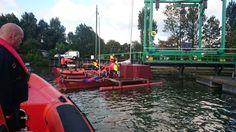 Zelfbouw boot afgemeerd in Zuidland, station Stellendam