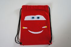 Mochilinha infantil Personalizada Mcqueen para festa Carros Pode ser feita para diversos temas