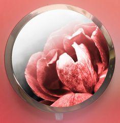 red rose - text na přání milý i praktický dárek zrcátko s graficky upravenou autorskou fotkou růže, přikryté epoxy čočkou text na přání jakýkoli - jméno, monogram, citát zrcátko - otevírací, průměr 70 mm, průměr motivu 57 mm, obsahuje 2 zrcátka - běžné a zvětšovací (kosmetické), barva platinová na přání můžu vytvořit celou sadu s tímto motivem - šperky, ...