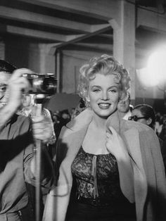 Photographic Print: Marilyn Monroe, Print from the Archives of 'Silver Screen' Magazine : Hollywood Divas, Golden Age Of Hollywood, Classic Hollywood, Old Hollywood, James Dean, Audrey Hepburn, Marilyn Monroe Photos, Marilyn Monroe Wallpaper, Norma Jeane