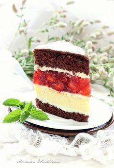 Arabeska : Sernikowe ciasto z kremem i galaretką z truskawkami Calzone, Baked Goods, Tiramisu, Cheesecake, Food And Drink, Sweets, Cookies, Baking, Ethnic Recipes