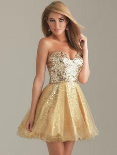 Vestido dorado con brillos, corto