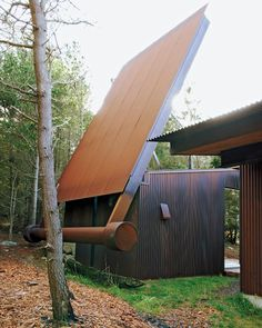 Learn All About Metal Roofing Materials Here. Art Et Architecture, Architecture Résidentielle, Mondrian, Roof Structure, Metal Roof, Construction, House Design, Exterior, Decoration
