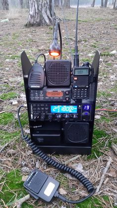 Emergency Radio, Emergency Preparedness, Radios, Mobile Ham Radio, Best Cb, Radio Amateur, Ham Radio Equipment, Radio Kit, Ham Radio Antenna