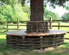 Tree Seat Design / garden inspiration is perfect for a very large tall old beautiful tree in my back yard.