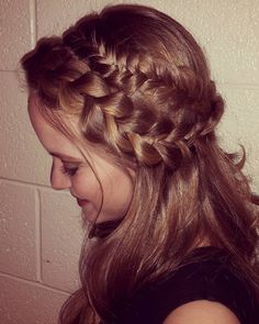 """67 Likes, 3 Comments - Willow and Heather (@thebraidedsisters) on Instagram: """"Mixed dutch and fishtail braid half-up hair.  This was before putting it up a couple posts back.…"""""""