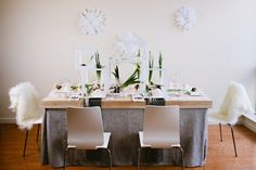 Flower Arrangements Inspiration: Modern Wedding Centerpieces