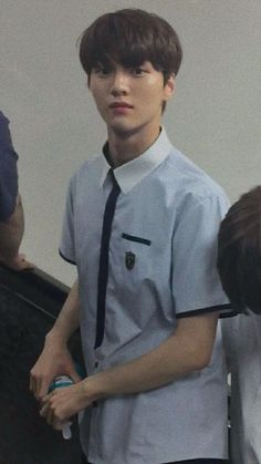 cha junho still wear uniform, that's made him so looking handsome. mom im shaking I Hate Boys, Produce Stand, How To Look Handsome, Woollim Entertainment, Songs To Sing, Flower Boys, Kpop Boy, Loveless, To My Future Husband