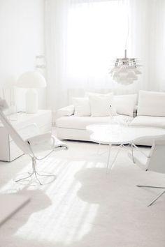 Living Room White, Beautiful Living Rooms, White Rooms, Home And Living, All White Room, White Space, Beautiful Life, Black And White Interior, White Interior Design
