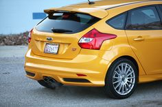 Superturismo Lm 18 On Ford Focus St Ozracing Racing Superturismo Lm Rim Wheel Ford Focus Ford Focus St Racing Rims