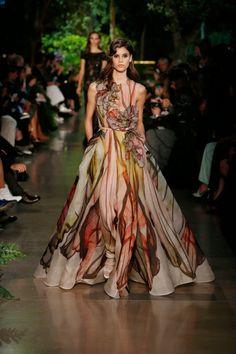 Hilary Blonde: La nostalgica colección de Elie Saab, alta costura primavera-verano 2015