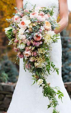 wedding bouquet shape and length I like