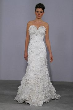 strapless wedding dress.Off white  A-line with three dimensional crochet lace