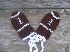 crochet patterns for football hats | Ravelry: Thumbless Football Mittens pattern by ... | Crochet - Hats...