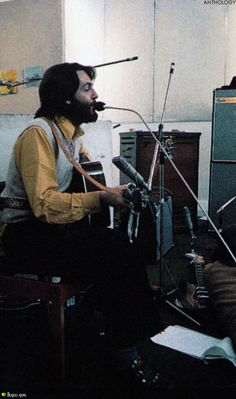Beatles Photos, The Beatles, Songs With Meaning, Paul And Linda Mccartney, Great Love, Violin, First Love, Musicals, Music Instruments