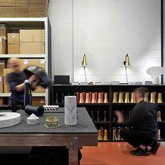 Ross Gardam's New Studio Space in Brunswick & Marble Desk Lamp. Melbourne Architecture, Australian Architecture, Commercial Design, Commercial Interiors, Decor Interior Design, Interior Decorating, Marble Desk, Office Fit Out, Workspace Design