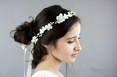 Neige Une couronne de mariage blanche et ivoire par nuagecolore