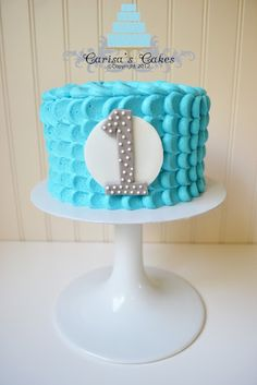 Carisa's Cakes: Boy Smash Cake @Liz Wiecken I like this idea for the 1. I could do the circle in zebra and a bright pink one.