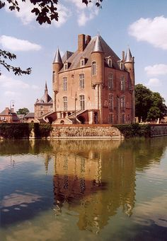 Staying at The Chateau in Loiret, France Culture Of France, Loire Valley France, French Castles, French Countryside, Medieval Castle, Destinations, Beautiful Places To Visit, Beautiful Buildings, France