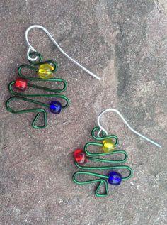 green wire christmas tree earrings www.etsy.com/shop/scissorsandpearls