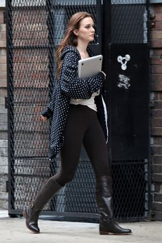 Leighton Meester. Love the boots!