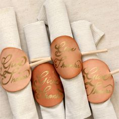 A last-minute project to create memorable napkin rings for Thanksgiving.