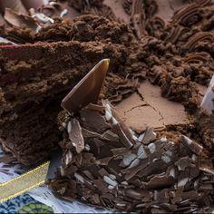 This is an easy recipe for chocolate cake and frosting.,navrazvam tehni4eski  za savsem li4en dostap na  Boiko