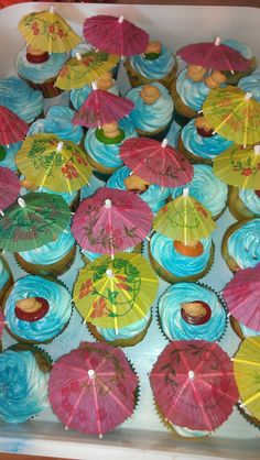 Pool party cupcake idea