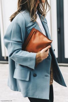 Ice blue and camel - perfect mix and match colors for winter // Milan Fashion Week Street Style London Fashion Weeks, Milan Fashion Week Street Style, Looks Street Style, Milano Fashion Week, Street Look, Looks Style, Fashion Mode, Look Fashion, Autumn Fashion