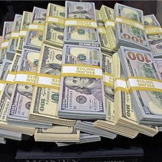 photography money cash Stacks of dollars - perfect money motivation! Make Money Online, How To Make Money, Canadian Dollar, Perfect Money, Dollar Money, Money Stacks, My Money, Gold Money, Money Bank