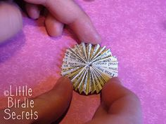 """Accordion circle rosettes - how to make - part of a """"love"""" garland tutorial"""