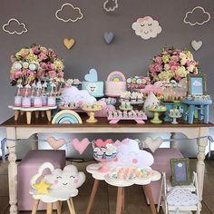 """Renata on Instagram: """"E em 7o. lugar das mais curtidas em 2017, essa linda decoração de chá de bebê por @suzanaaribeiro!!! ☁️☁️ #chadebebechuvadeamor…"""" • Instagram"""