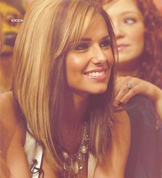 Ugh... If I had it in me to cut my long hair I would so do this cut and keep my color black.