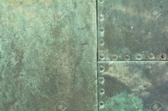 38643005-close-up-of-weathered-copper-sheet-at-a-historic-old-door-at-the-Cathedral-of-Magdeburg-Stock-Photo.jpg (1300×866)