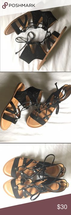 Dolce Vita Juno Sandal My daughter wore these once, but didn't like them. They are in great condition still. No box. Dolce Vita Shoes Sandals