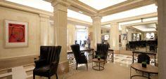 Tapicería de sillones, taburetes y sofás por parte del equipo de Marcasal. http://marcasal.es/web/hotel-majestic-eclectico-y-clasico/